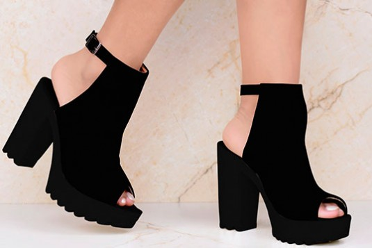 Solo Sashay Vegan Heel in Black