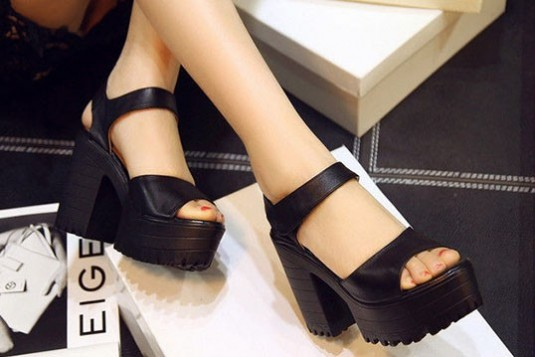 Show your steps heels Black