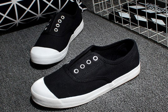 Canvas Laceless Black Sneakers