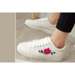 Rose patch White Sneakers