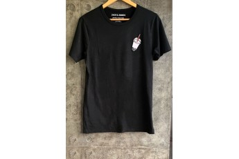 Black round neck cotton T-shirt with patch