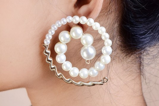 Pearl rounded earrings