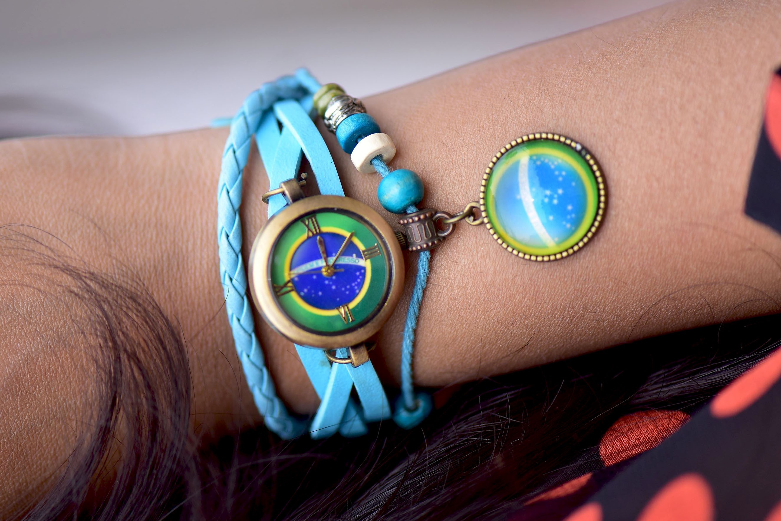 Womens - Blue classic watch