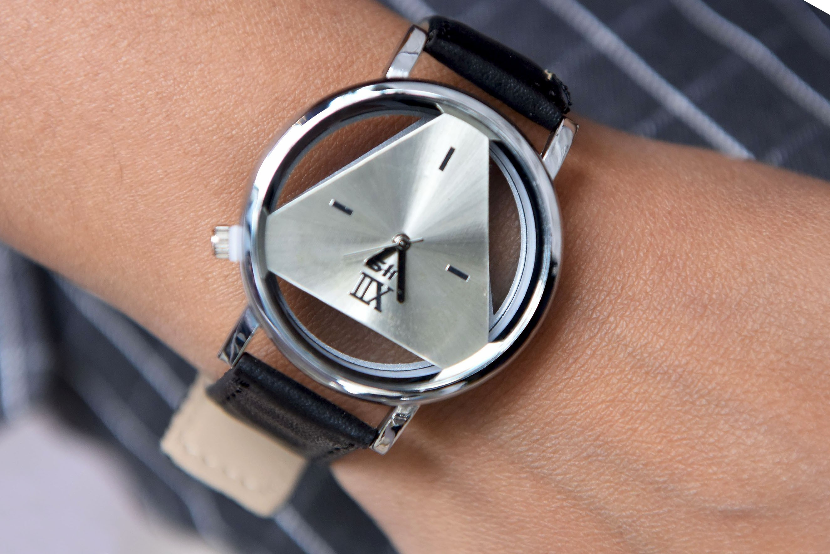 Womens - Inner dial watch
