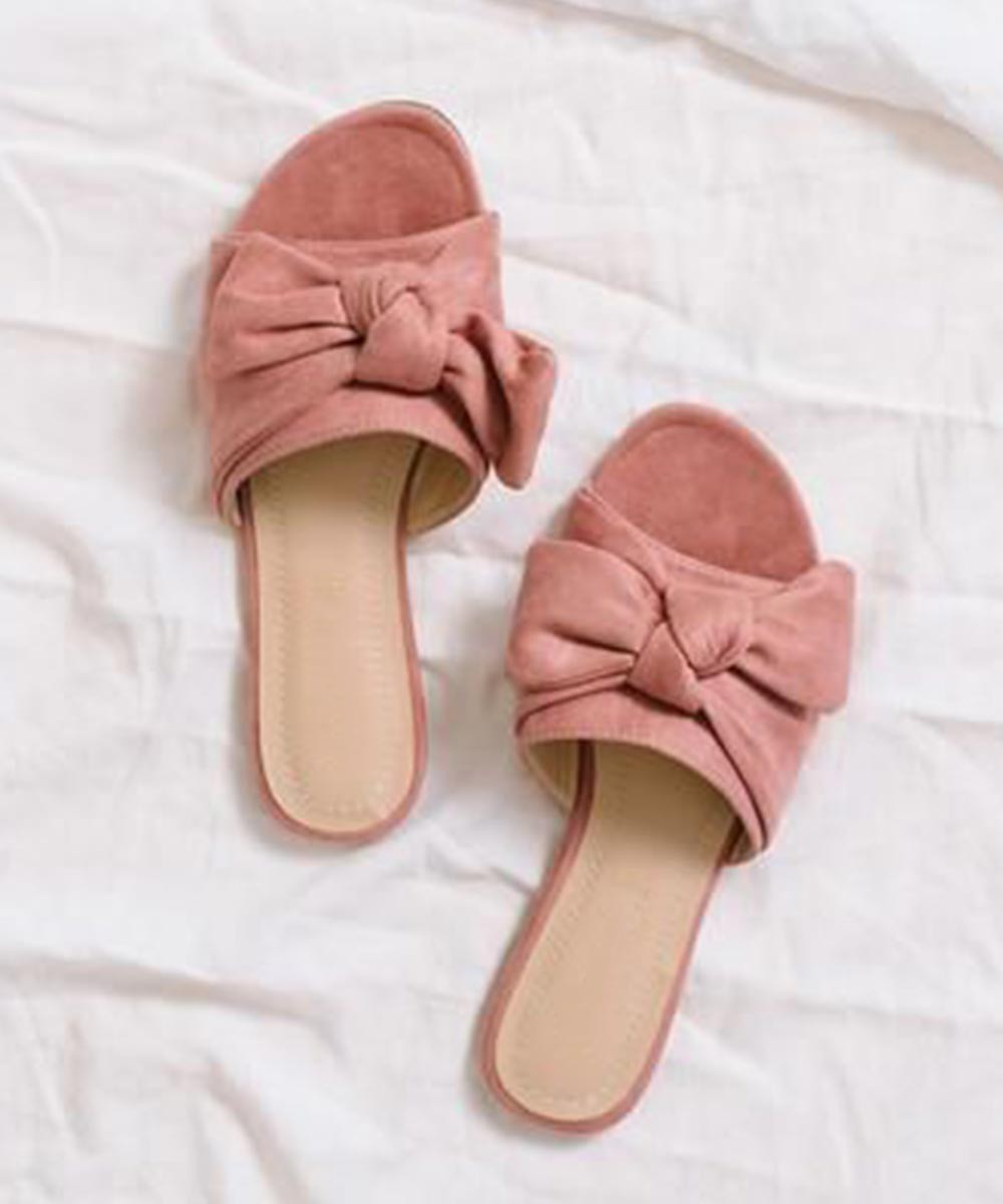 Can i get some macaroons flats ( blush pink )