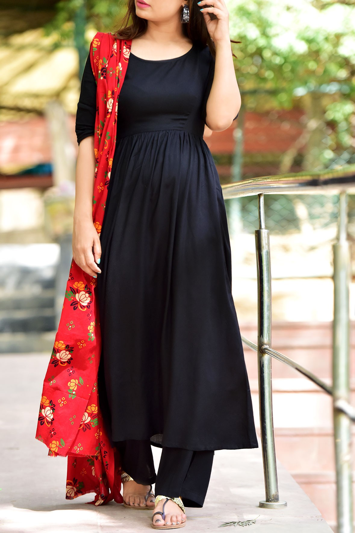 Set of 3- Graceful touch black tunic,pant and dupatta