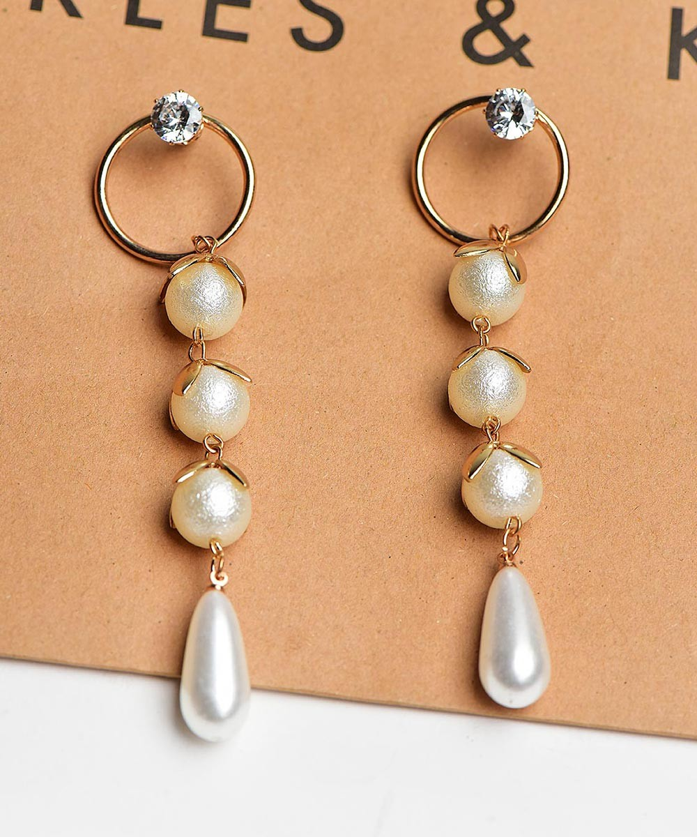 Live in the Moment Pearl Earrings