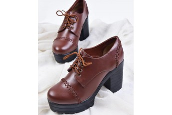 Subtle Specialty Boots Brown
