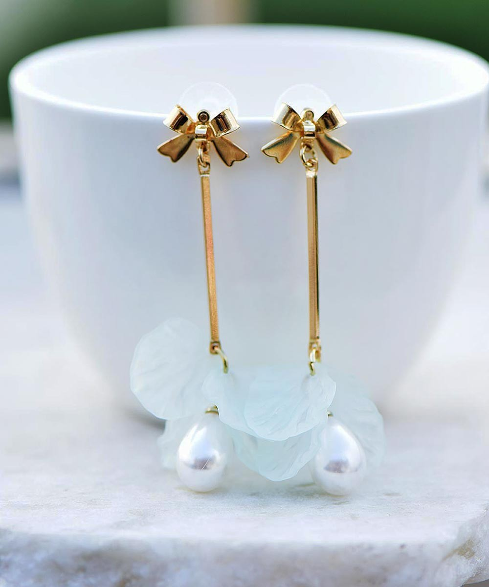 Ocean pearl earrings blue