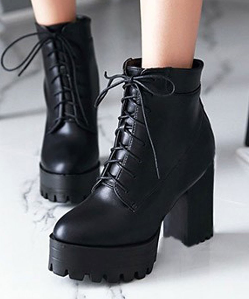 Platform Lace Up Boots In Black