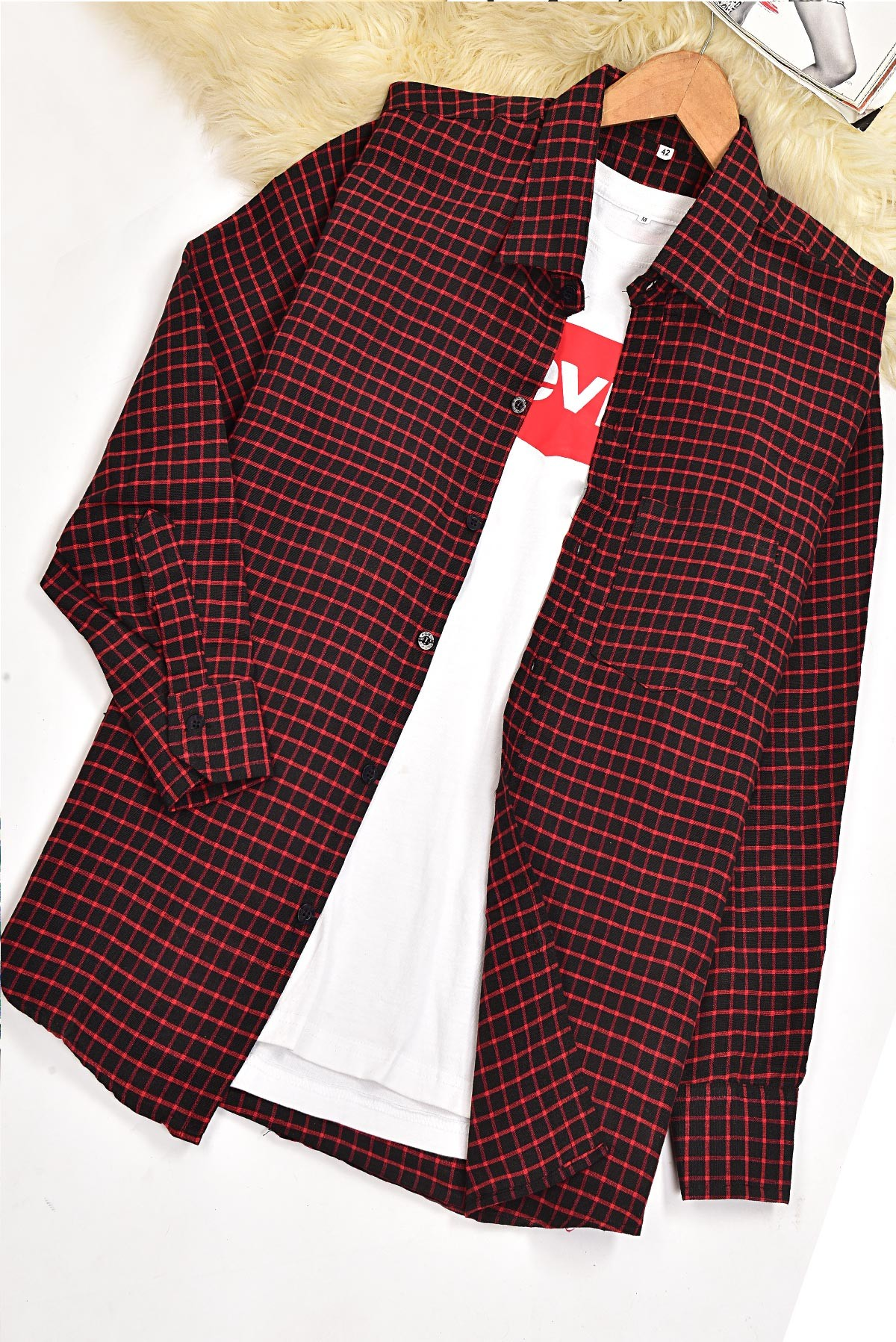 Men's Basic Full Sleeves Red and Black Check Shirt S158