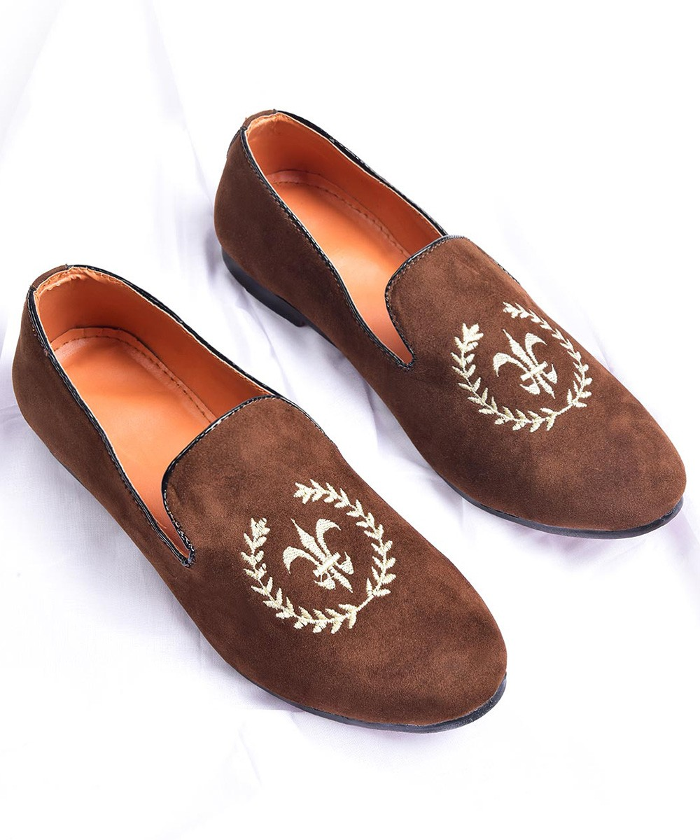 Brown embroidered loafers