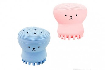 Set of 2- Face cleaning brush Random colors